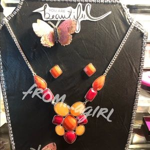🔥Necklace and Earring set🔥 Buy it B4 it's gone⏰